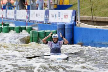 Kajakářka Amálie Hilgertová opět zlatá! Vyhrává titul světové šampionky do 23 let