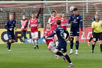 Tucet a jedna fotografie z fotbalového ligového  duelu ... Pardubice - Slovácko 3:1