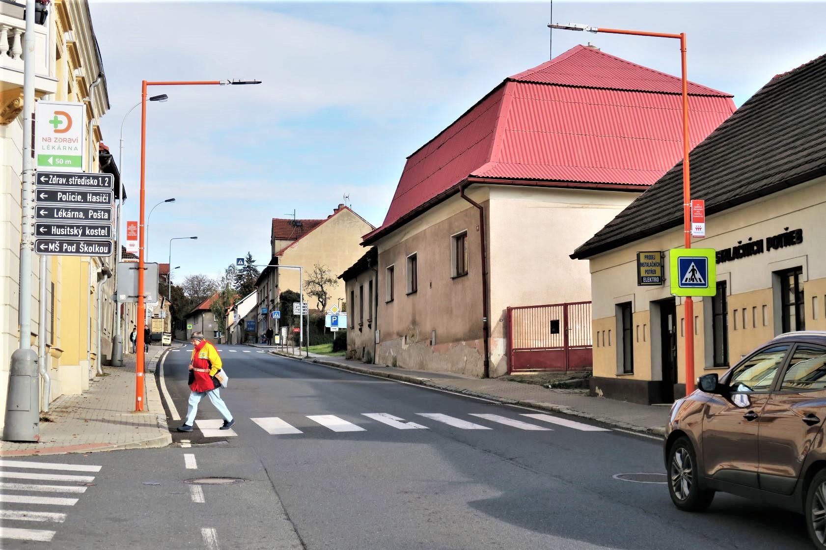 Jílové u Prahy zvyšuje bezpečnost chodců